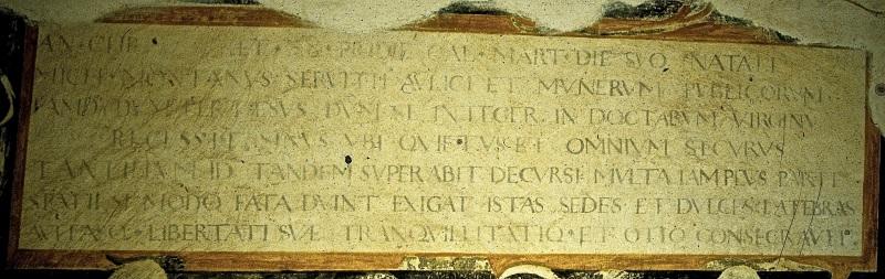 Montaigne-inscripción