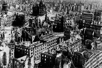 La ciudad alemana de Dresde, tras los ataques de los aliados durante la Segunda Guerra Mundial